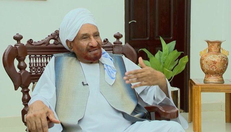 في صالون سيد أحمد خليفة.. الصادق المهدي يروي تفاصيل الأيام الأخيرة
