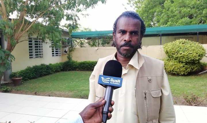 تفاصيل اعتداء أحد طلاب الشيخ عبد الحي على الصحفي الهادي الأمين