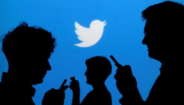 """قرار مفاجئ من""""تويتر"""" بإلغاء""""267″ حسابًا من مصر والإمارات"""
