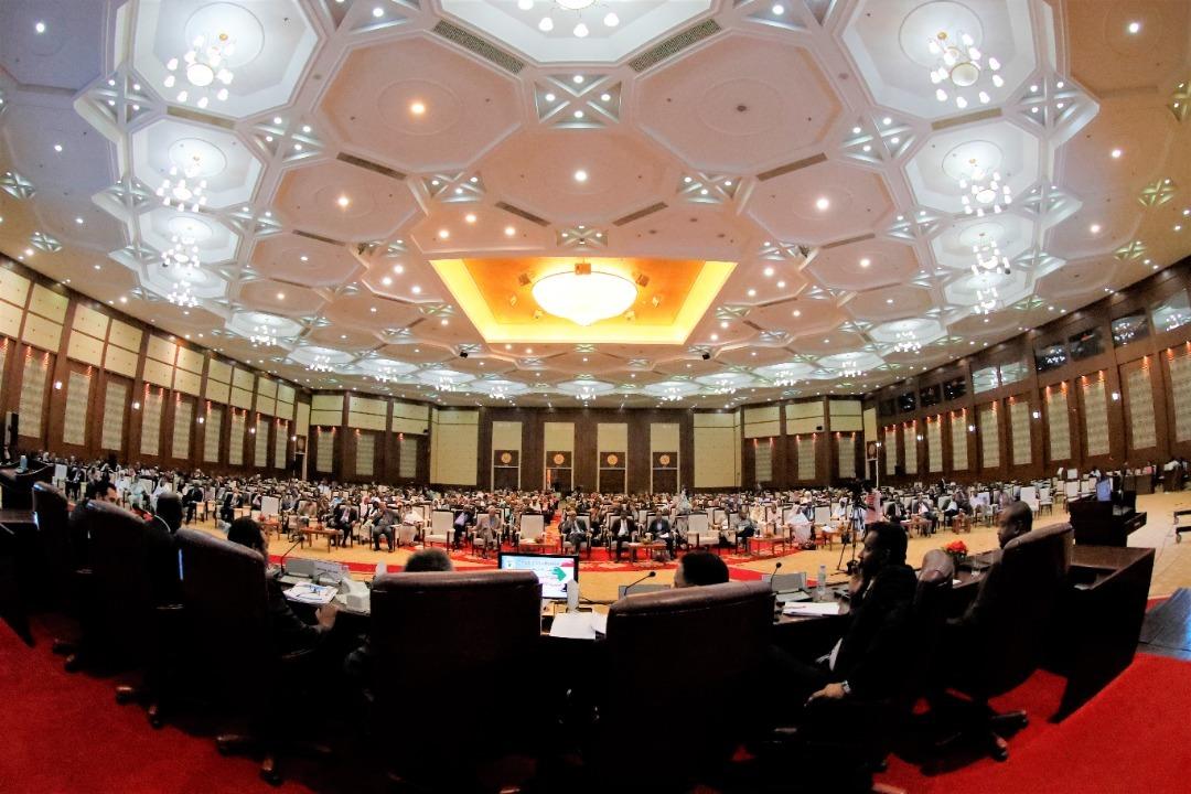 توصيات من المؤتمر الاقتصادي بأيلولة جهاز الاتصالات والبريد لمجلس الوزراء