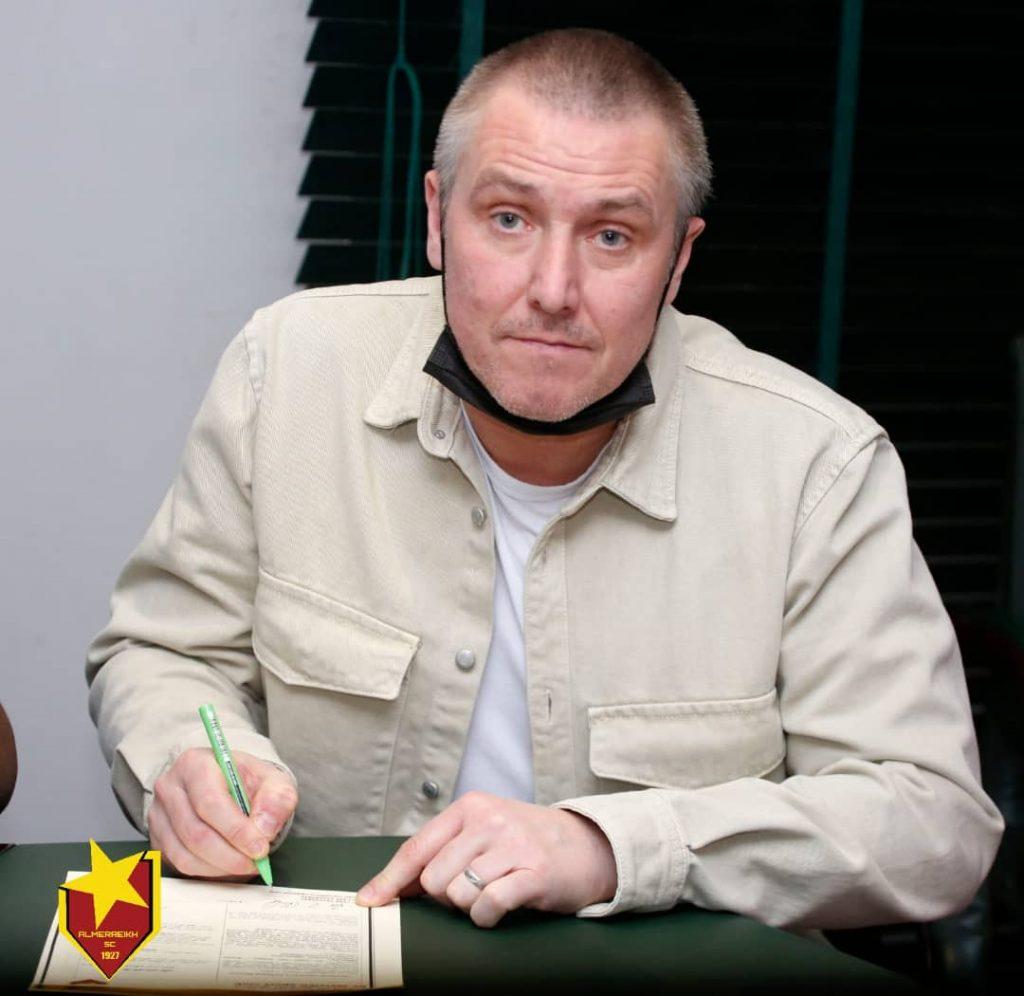 باج نيوز | رسميًا..الإنجليزي لي كلارك يوقّع عقدًا مع نادي المريخ السوداني